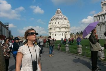 artglass tour of the leaning tower square in pisa 254722